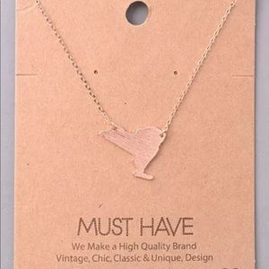 TINY DELICATE NEW YORK STATE NECKLACE